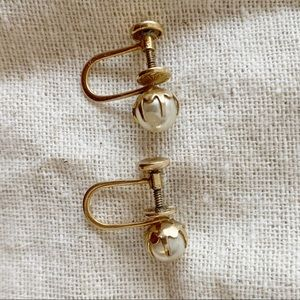 COPY - Vintage faux pearl earrings in 10K gold